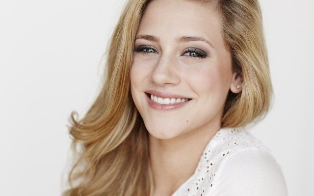 Lili Reinhart Height Weight
