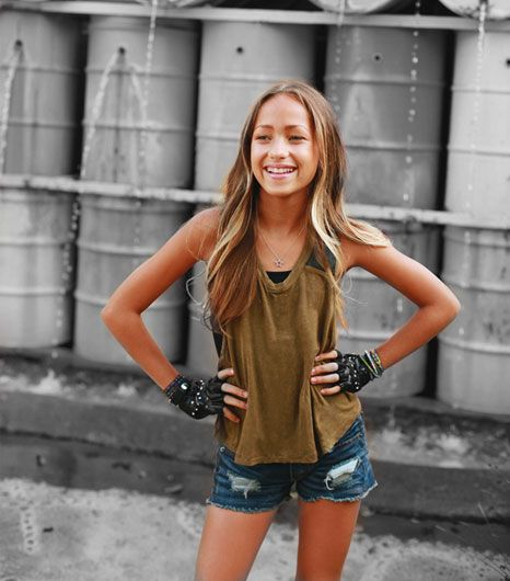 Skylar Stecker height